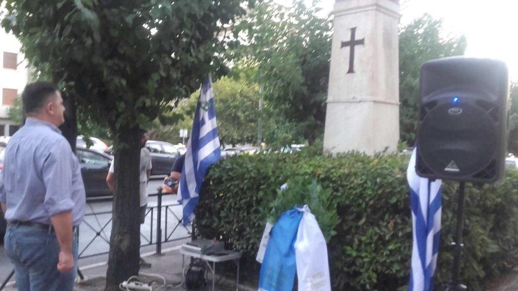 Στεφάνι εκ μέρους του ΕΣΟ κατέθεσε το μέλος της ΠΔΕ Παναγιώτης Δούμας